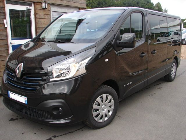 renault trafic iii combi l2 1 6 dci 125ch energy intens 9 places renault 6341 am le. Black Bedroom Furniture Sets. Home Design Ideas